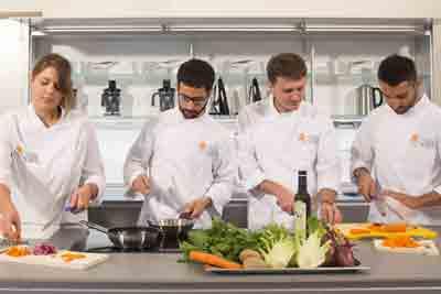 nous-soutenons-la-formation-de-gastronomes-a-l-universite-pollenzo